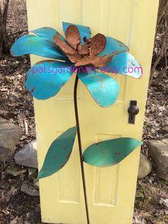 Cottage Chic Painted Metal Garden Art Flowers By PatsGardenArt, $36.00 |  Patu0027s Garden Art | Pinterest | Metal Garden Art, Painted Metal And Garden  Art