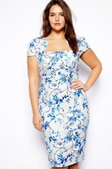 12 Gorgeous Plus Size Wedding Guest Dresses to Make You Look Fabulous - Lipstick Boutique Plus Blue Floral Print Pencil Dress £60