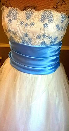 ON SALE  Enchanting VINTAGE Strapless Gown/ Tulle by PussycatAlice, $125.00