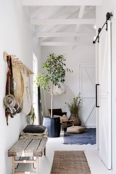 interior of australian stylist Lynda Gardener's country home.whitewashed interior of australian stylist Lynda Gardener's country home. Lampada a sospensione Leola 36 Best Living Room Decoration For Modern House Decoration Inspiration, Interior Inspiration, Design Inspiration, White Hallway, Bright Hallway, Bright Homes, Small Barns, Australian Homes, Australian Home Decor