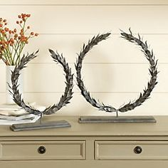 Standing Iron Laurel Wreaths