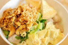 08 mie ayam pangsit Ogura Cake, Food Truck, Potato Salad, Noodles, Grains, Rice, Potatoes, Indonesian Food, Chicken