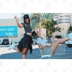 WEBSTA @ slywear - Bom dia com feriado, diversão e #looksly em dobro✌️#slywear | @lihflorencio @djlarissalawh
