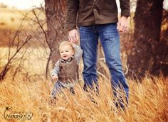Father and son photography pose <3 ahhh little Farmer baby. I'm still convinced were having a boy will have to remember this one...