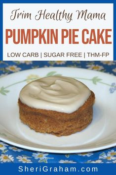 Have a bite of fall with this Trim Healthy Mama dessert! Not only is this a great dessert or snack during the holidays, but all year round! Low Carb Sweets, Low Carb Desserts, Healthy Desserts, Dessert Recipes, Healthy Treats, Baking Recipes, Healthy Recipes, Chocolate Pumpkin Cake, Pumpkin Pie Cake