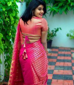 Blouse Back Neck Designs, Silk Saree Blouse Designs, Fancy Blouse Designs, Bridal Blouse Designs, Choli Blouse Design, Indian Blouse Designs, Choli Designs, Blouse Patterns, Stylish Blouse Design
