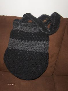 Ada's Student doesn't just have ceramics. There are also crotchet bags, crotchet blankets and crotchet pillows that are available for sale. Please visit http://adasstudent.weebly.com/crotchet.html for details.
