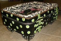 Suitcase Pet Dog Cat Bed #repurposed #upcycled #dogbed