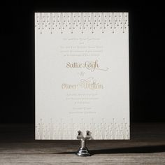 One of the newest additions to Bella Figura's elegant collection of gold wedding invitations, Annadel is a playful invitation design from Ellie Snow.