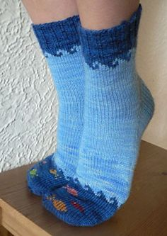Fish in the Sea knitting pattern by Elizabeth Sullivan. these are so cute! i have small feet (women's and like my socks to fit snug. Photo © Sweet Paprika Designs ~~~Any type of socks like this really Crochet Socks, Knit Or Crochet, Knitting Socks, Hand Knitting, Knitted Slippers, Crochet Granny, Knitting Projects, Crochet Projects, Knitting Tutorials