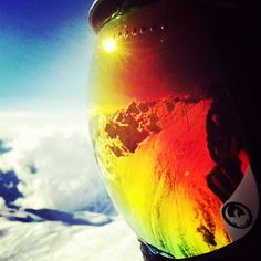 What a beautiful view. @dragonalliance #APX available at your local #dragonalliance dealer! #dragonAPX #goggles #snowboarding #snow #mountain