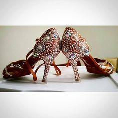 Custome Rhinestone Shoes Latin Dance Shoes, Latin Dance Dresses, Rhinestone Shoes, Bling Shoes, Salsa Shoes, Ballroom Dance Shoes, Dance Fashion, Bridal Shoes, Dance Costumes