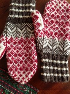 New Knitting Hat Tutorial Fair Isles 57 Ideas Knitted Mittens Pattern, Knit Mittens, Knitted Gloves, Knitting Socks, Hand Knitting, Fingerless Mittens, Loom Knitting, Knitting Charts, Knitting Stitches