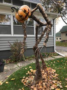 Diy Deco Halloween, Comida De Halloween Ideas, Moldes Halloween, Image Halloween, Manualidades Halloween, Adornos Halloween, Scary Halloween Decorations, Spooky Decor, Halloween Porch