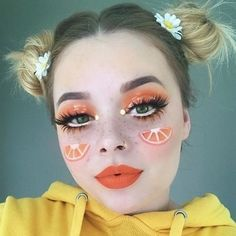 Fresh Fruit Makeup You Need to Try When Taking Pictures Frisches Obst Make-up Sie müssen versu Cool Makeup Looks, Halloween Makeup Looks, Crazy Makeup, Cute Makeup, Awesome Makeup, Creepy Halloween, Halloween Horror, Diy Makeup, Peach Makeup