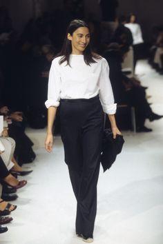 The complete Hermès Spring 2000 Ready-to-Wear fashion show now on Vogue Runway. Curvy Fashion, High Fashion, Love Fashion, Fashion Show, Fashion Outfits, Womens Fashion, Petite Fashion, Jean Outfits, Style Fashion
