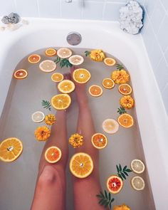 Soothing citrus bath Handful Epsom salt 2 Tbsp coconut oil 10 drops bergamot oil 10 drops peppermint oil Slices from two oranges Fresh sprigs mint