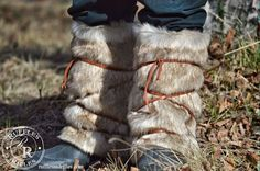 This is an excellent post on creating an easy Viking Warrior costume. The boots are an easy DIY - Bogs layered with a sewn tube of faux fur and tied with leather laces. The tunic is an old McCalls pattern Vikings Costume Diy, Viking Halloween Costume, Vikings Halloween, Family Costumes, Diy Costumes, Costume Ideas, Eve Costume, Bird Costume, Viking Christmas