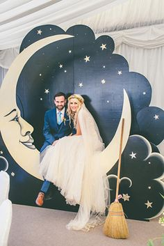 40 Romantische Sternenklare Nacht Hochzeit Ideen Starry sky and crescent photo booth is a great and Our Wedding, Dream Wedding, Wedding Vintage, Wedding Album, Trendy Wedding, Wedding Reception, Starry Night Wedding, Starry Nights, Photos Booth