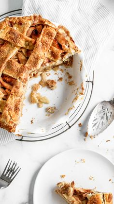 This classic apple pie recipe is your new go-to. No soupy center, no crumbly crust, just a solid slice of apple pie that you can sink your fork into! Homemade Apple Pies, Apple Pie Recipes, Tart Recipes, Baking Recipes, Dessert Recipes, Just Desserts, Delicious Desserts, Yummy Food, Classic Apple Pie Recipe