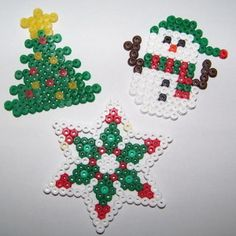 Christmas ornaments hama perler beads by Les loisirs de Pat Perler Bead Designs, Hama Beads Design, Hama Beads Patterns, Perler Bead Art, Beading Patterns, Pearler Beads, Fuse Beads, Christmas Perler Beads, Christmas Ornaments