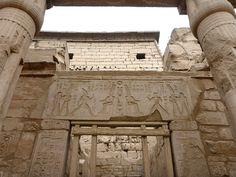Dintel de la reina Hatshepsut reutilizado
