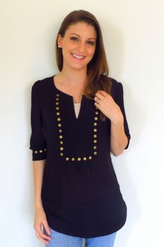Love this Stitch Fix Top. Cute details at front and sleeves. Looks great in black and horseshoe pattern. This is exactly like my December 2014 stitch fix! Fix Clothing, Stitch Fit, Stitch Fix Stylist, Swagg, Cute Tops, Refashion, Looks Great, What To Wear, Style Me
