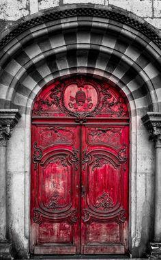 Lyon, Rhône-Alpes, France.l'qrc en plein cintre rehausse la beauté de la porte