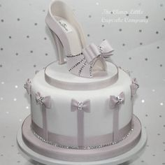 High Heel Cakes, Shoe Cakes, Purse Cakes, Camo Wedding Cakes, White Wedding Cakes, Fondant Shoe Tutorial, Dragon Cakes, Cake Wrecks, Birthday Cake Girls