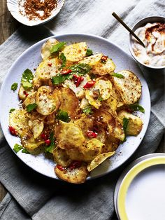 Rustle up your very own crisps with accompanying harissa yoghurt dip fantastic for dinner parties or as a side to a meal. The post Moroccan-spiced Baked Potato Crisps with Rose Harissa Dip Recipe appeared first on Win Dessert. Dip Recipes, Potato Recipes, Meat Recipes, Salad Recipes, Vegetarian Recipes, Potato Dishes, Party Recipes, Potato Crisps, Cooking