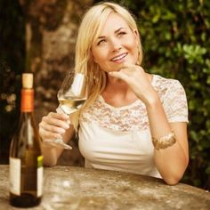 You can enjoy wine while still watching your calories! We've picked the best tasting wines that are also low-calorie so you can enjoy a glass or red or white on the weekend or with the girls without feeling guilty.