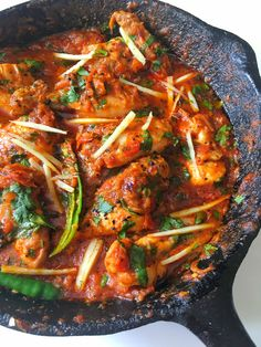 Chicken Karahi Recipe + Step by Step Pictures + Tips - Fatima Cooks Pakistani Dishes, Indian Dishes, Pakistani Recipes, Pakistani Chicken Recipes, Gosht Recipe, Masala Recipe, Chicken Karahi Recipe Pakistani, Indian Food Recipes, Asian Recipes