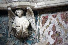 Fallen Angels Fallen Angels, Parrots, Gothic Fashion, Spaces, Painting, Art, Art Background, Painting Art, Kunst
