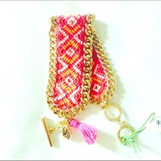Closing Closet Vera Bradley Woven Bracelet 🌺Very pretty and stylish. Beautiful gold tone edge and woven center. Has two toggle closure for better fit.🌺 Vera Bradley Jewelry Bracelets