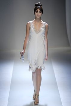 Valentino - Spring 2007 Couture - Look 8 of 41