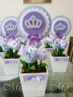 Cachepo em mdf, 5 tulipas de tecido, toper feito em papel scrapp. Princess Sofia Party, Princess Birthday, Princesa Sophia, Sofia The First Birthday Party, Creative Party Ideas, Tangled Party, Tinkerbell Party, Birthday Party Centerpieces, Celebration Quotes