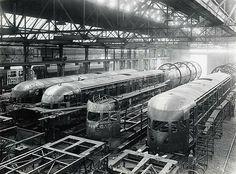 Zuilen, Werkspoor – 1936 | Enkele in aanbouw zijnde elektrische treinstellen voor de Nederlandse Spoorwegen (HUA)