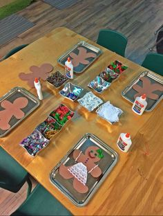 Holiday Activities For Preschoolers Gingerbread Man Super Ideas Gingerbread Man Activities, Holiday Activities, Art Activities, Holiday Crafts, Gingerbread Man Crafts, Montessori Activities, Gingerbread Man Kindergarten, Christmas Gingerbread, Gingerbread Houses