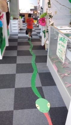 Preschool Rainforest! Recreated largest Green Amazon Anaconda (28ft!) ever caught for children to see how big it was!