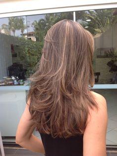 Ideas haircut feminino medio for 2019 Medium Hair Cuts, Long Hair Cuts, Medium Hair Styles, Short Hair Styles, Haircuts For Long Hair, Layered Haircuts, Long Hair Highlights, Long Layered Hair, Mi Long