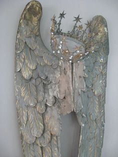 Angel wings and crown I love this so much! This would be so beautiful affixed to a massive shabby chic headboard! D N Angel, Angel Art, Angel Wings Decor, Wooden Angel Wings, Angel Wings Wall Art, White Angel Wings, Wood Angel, Angel Decor, Vintage Accessoires
