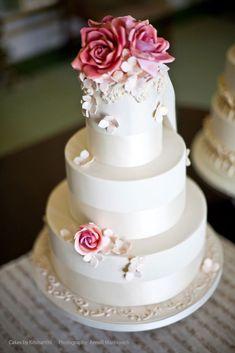 Photo: Anneli Marinovich, Cake: Cakes by Krishanthi; To see more gorgeous wedding cakes: http://www.modwedding.com/2014/05/20/stunning-wedding-cakes-from-cake-by-krishanthi/ #wedding #weddings #wedding_cake