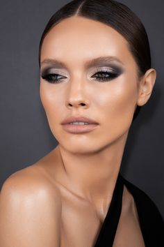 Black Eyeshadow Makeup, Natural Eyeshadow Palette, Smoky Eyeshadow, Eyeshadow Looks, Eye Makeup, Everyday Makeup, Everyday Look, Makeup Inspo, Makeup Tips