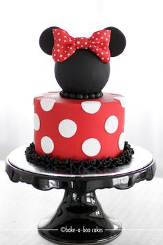 Minnie mouse themed cake by Bake-a-boo Cakes NZ, via Flickr...as much as I hate red and black, this would be fun to attempt...