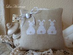 bunny x stich Tiny Cross Stitch, Cross Stitch Animals, Cross Stitch Designs, Cross Stitch Patterns, Cross Stitching, Cross Stitch Embroidery, Easter Cross, Easter Projects, Christmas Embroidery