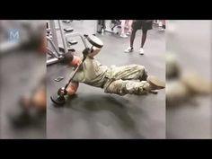 Soldado universal en la vida real - Entrenamiento de la fuerza militar  ...