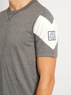 Chevron-print crew-neck cotton T-shirt | Moncler Gamme Bleu | MATCHESFASHION.COM