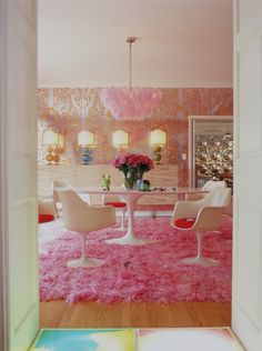 William Abranowicz | 1stdibs Photo Archive Search #pink #midcentury #knoll #shag #wallpaper #decorating #interiordesign (via @1stdibs)