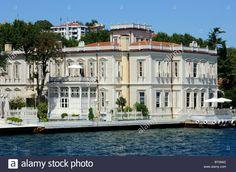 a-villa-on-the-shore-of-the-bosphorus-in-yenikoy-BT09AD.jpg (1300×950)