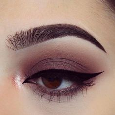 Perfect blend eye makeup sharp winged liner long lashes gorgeous eye makeup